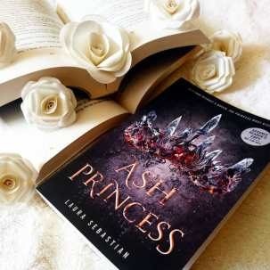 📑 Ash Princess by Laura Sebastian I read this about a week ago and rather enjoyed it! It reminded a lot of The Winner's Trilogy and Red Queen. If you enjoyed those I would definitely recommend you pick this one up!  What fantasy books are you looking forward to this year? #ashprincess #laurasebastian #bookstagram #yabooks #ya #youngadultbooks #fantasy #reader #books